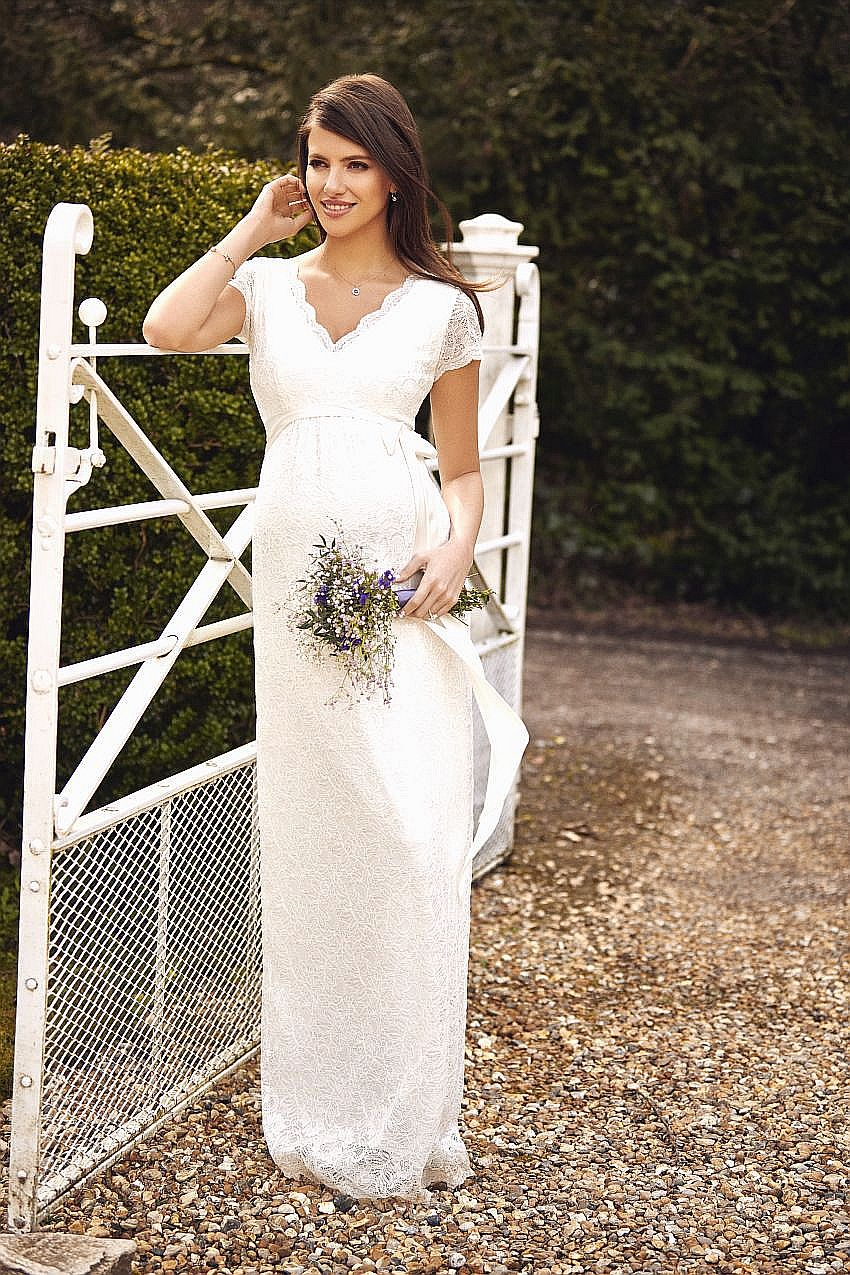 llgil-l1-laura-lace-gown-ivory